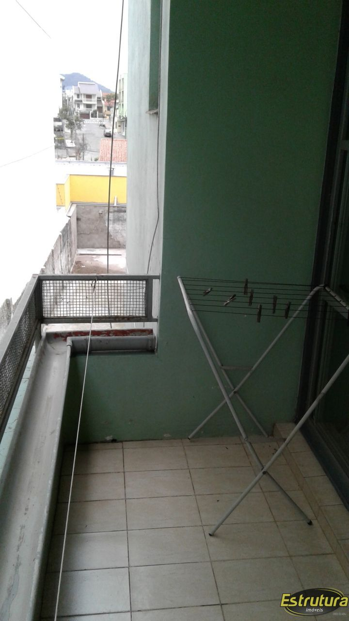 Apartamento com 2 Dormitórios à venda, 80 m² por R$ 250.000,00