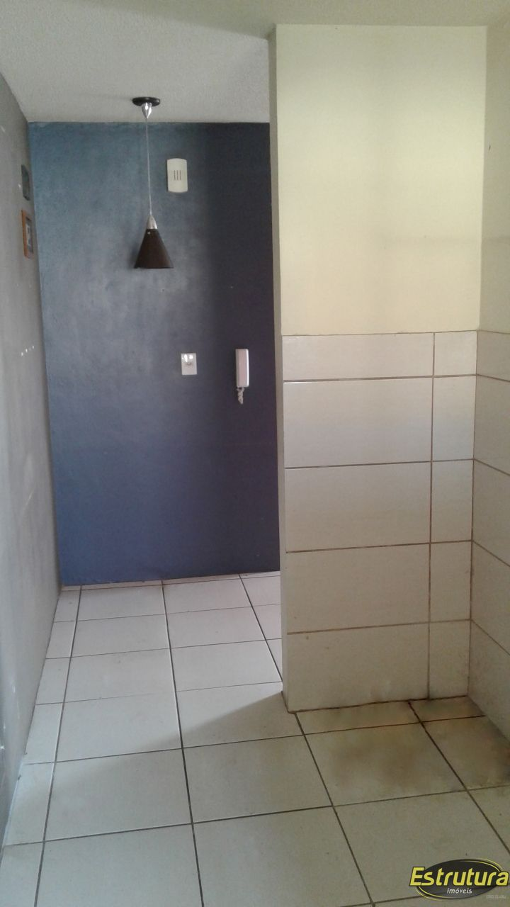 Apartamento com 3 Dormitórios à venda, 60 m² por R$ 180.000,00