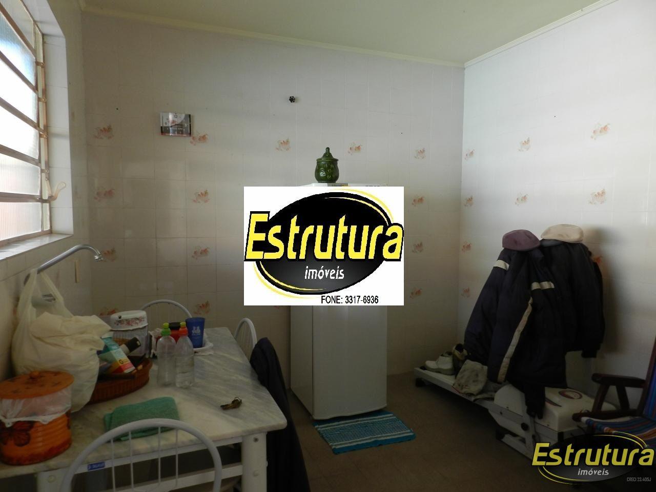 Sobrado com 3 Dormitórios à venda, 228 m² por R$ 600.000,00