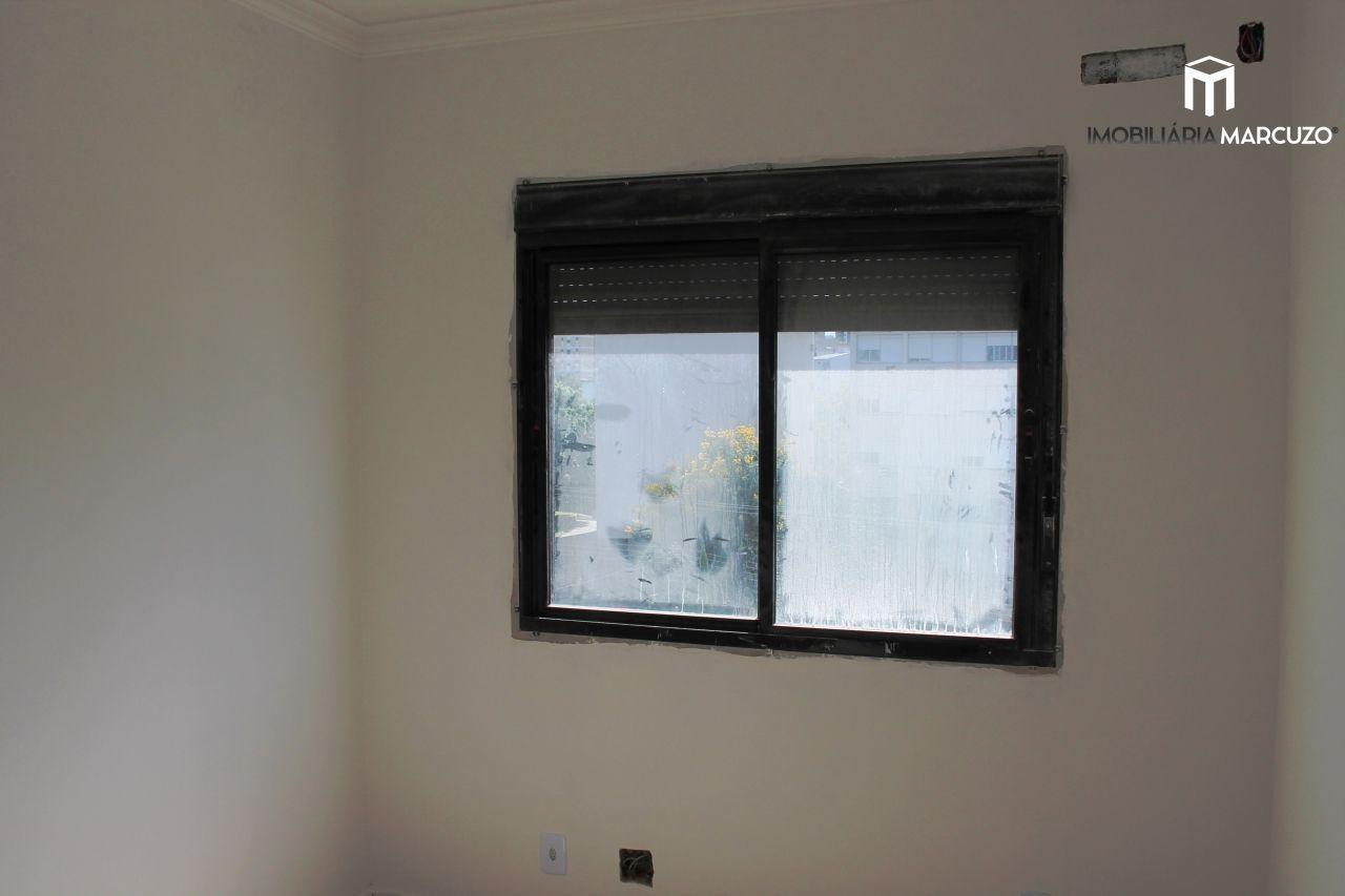 Cobertura com 4 Dormitórios à venda, 241 m² por R$ 900.000,00