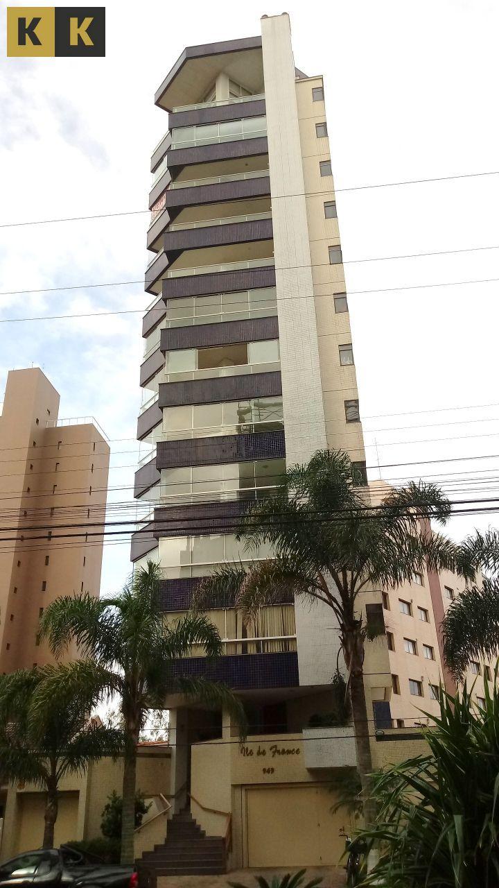 Apartamento com 3 Dormitórios à venda, 119 m² por R$ 620.000,00