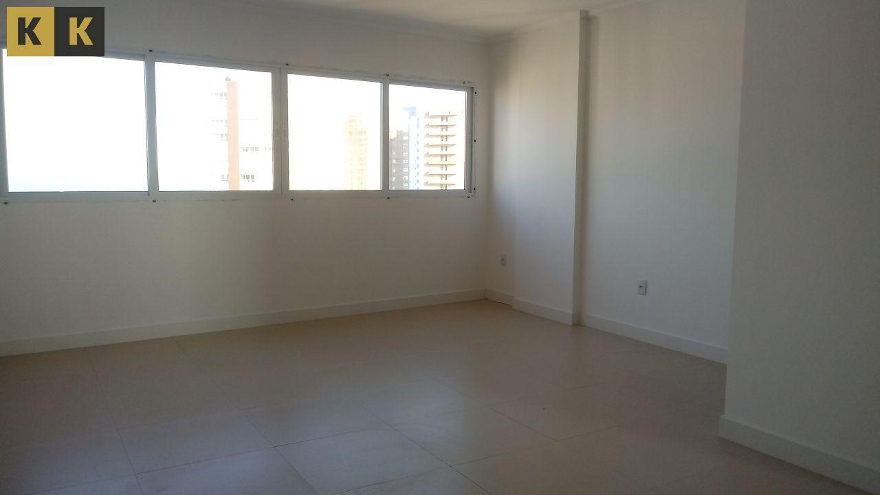 Apartamento com 2 Dormitórios à venda, 73 m² por R$ 549.000,00