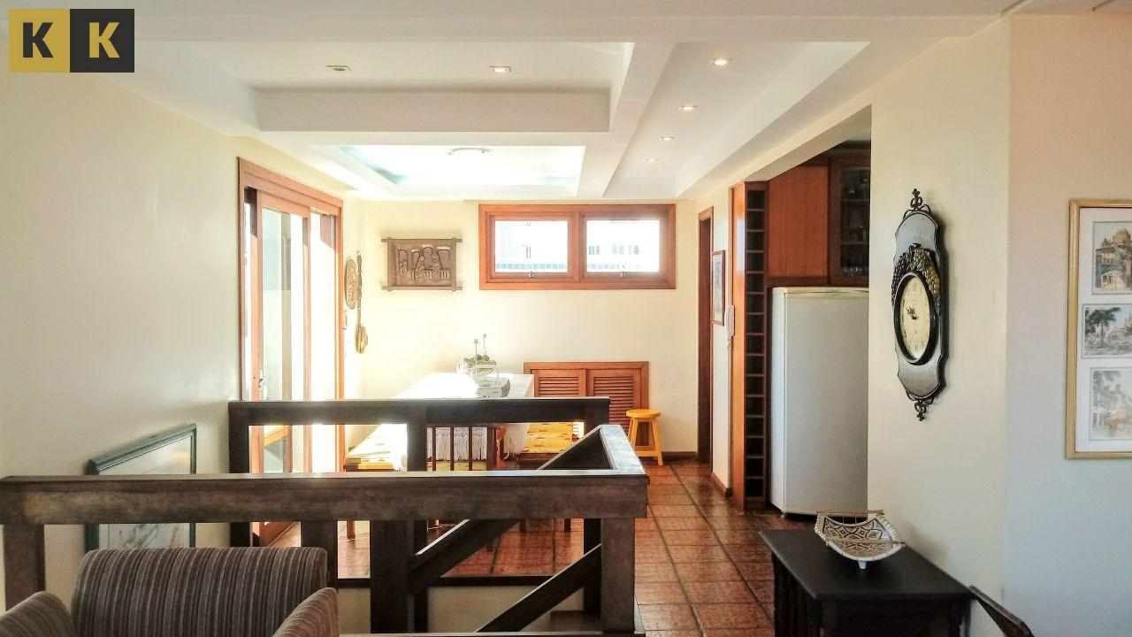 Cobertura com 3 Dormitórios à venda, 263 m² por R$ 860.000,00