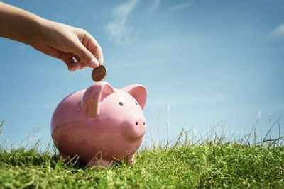 Como guardar dinheiro: 8 dicas para viver de forma mais econômica