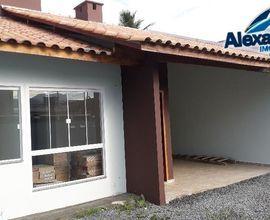 Casa geminada no bairro Barra do Rio Cerro
