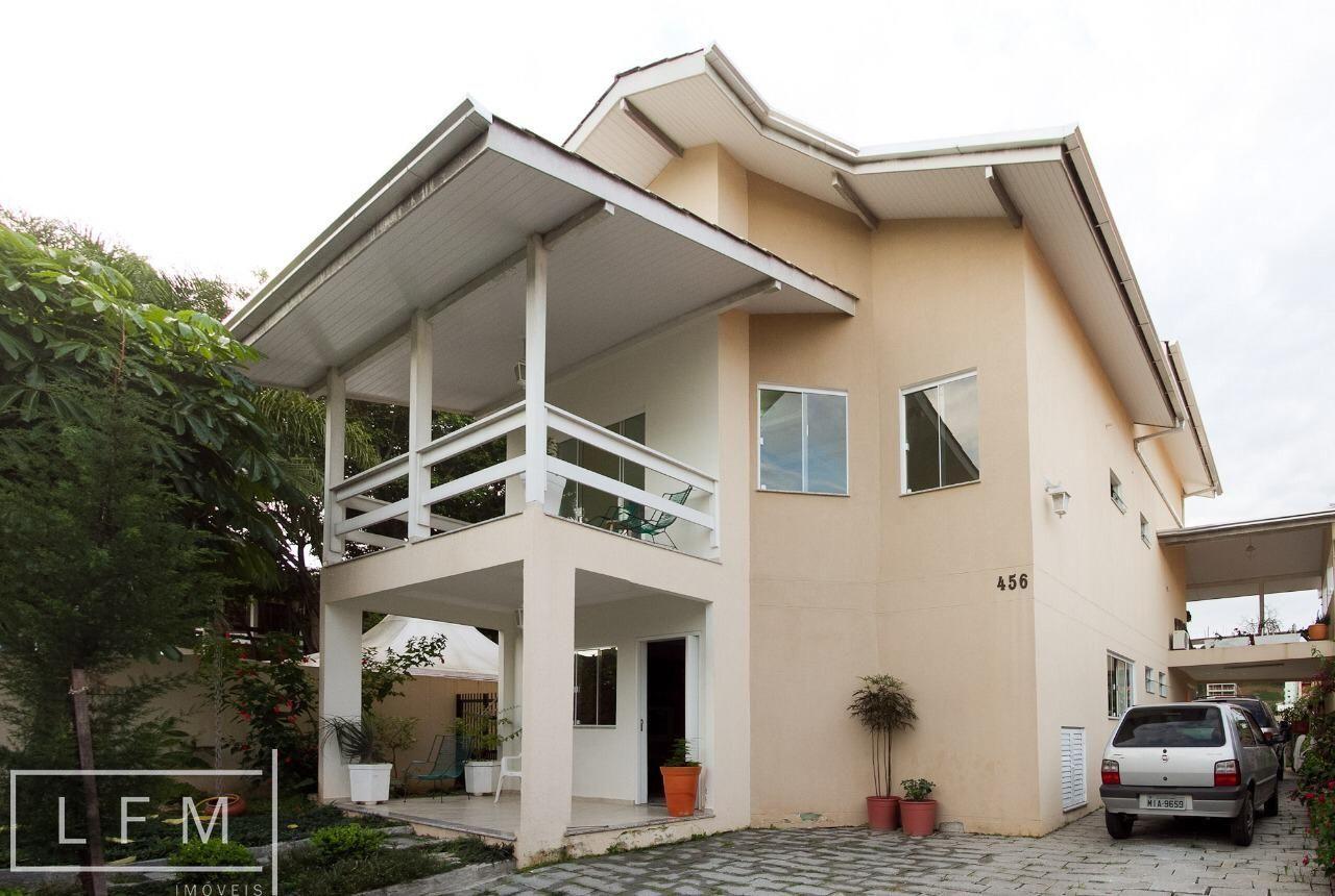Casa à venda  no Centro - Balneário Camboriú, SC. Imóveis