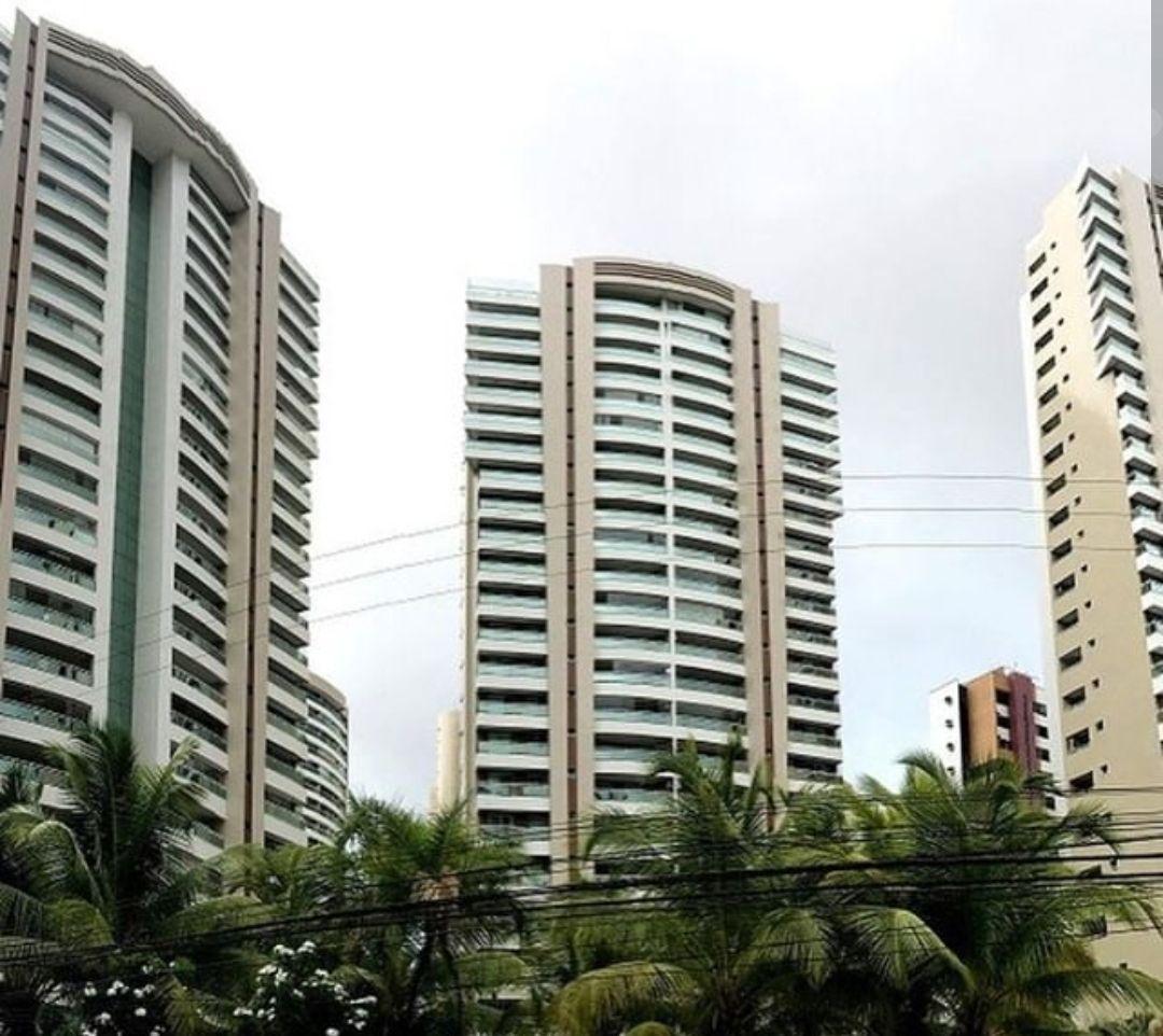Apartamento à venda  no Coco - Fortaleza, CE. Imóveis