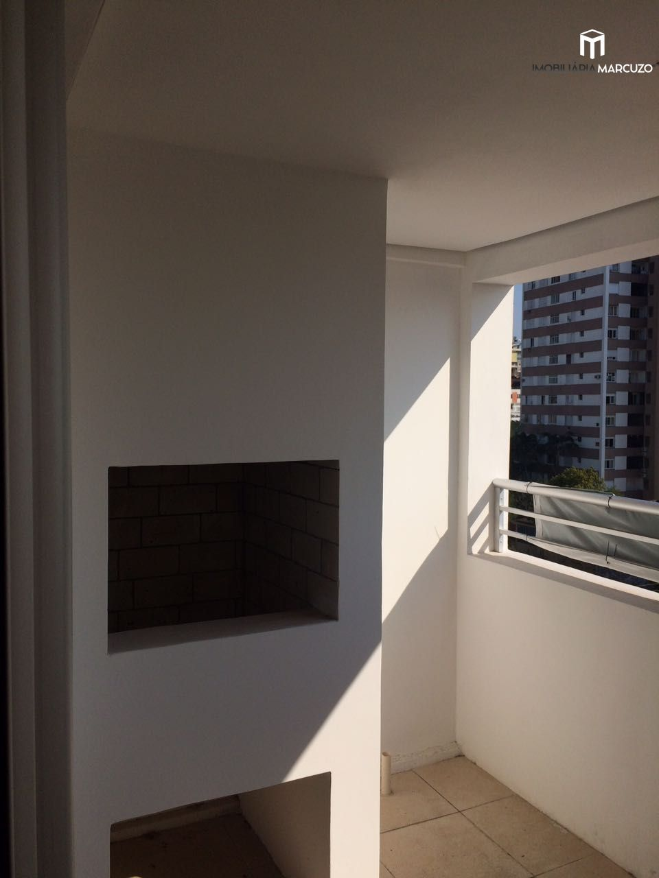 Apartamento com 3 Dormitórios à venda, 132 m² por R$ 630.000,00