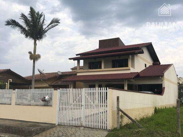 Casa à venda  no Zimbros - Bombinhas, SC. Imóveis