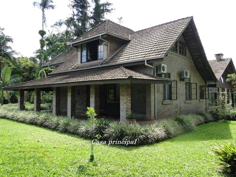Casa à venda  no Pirabeiraba (Rio Bonito) - Joinville, SC. Imóveis