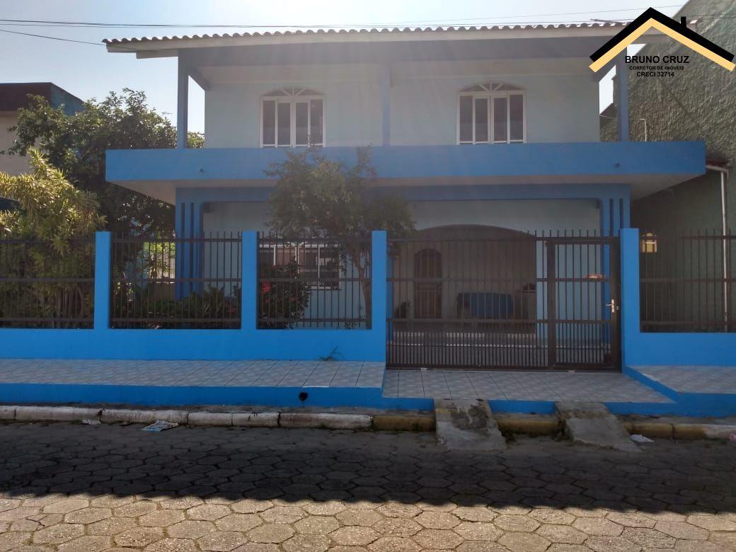 Casa à venda  no Centro - Navegantes, SC. Imóveis