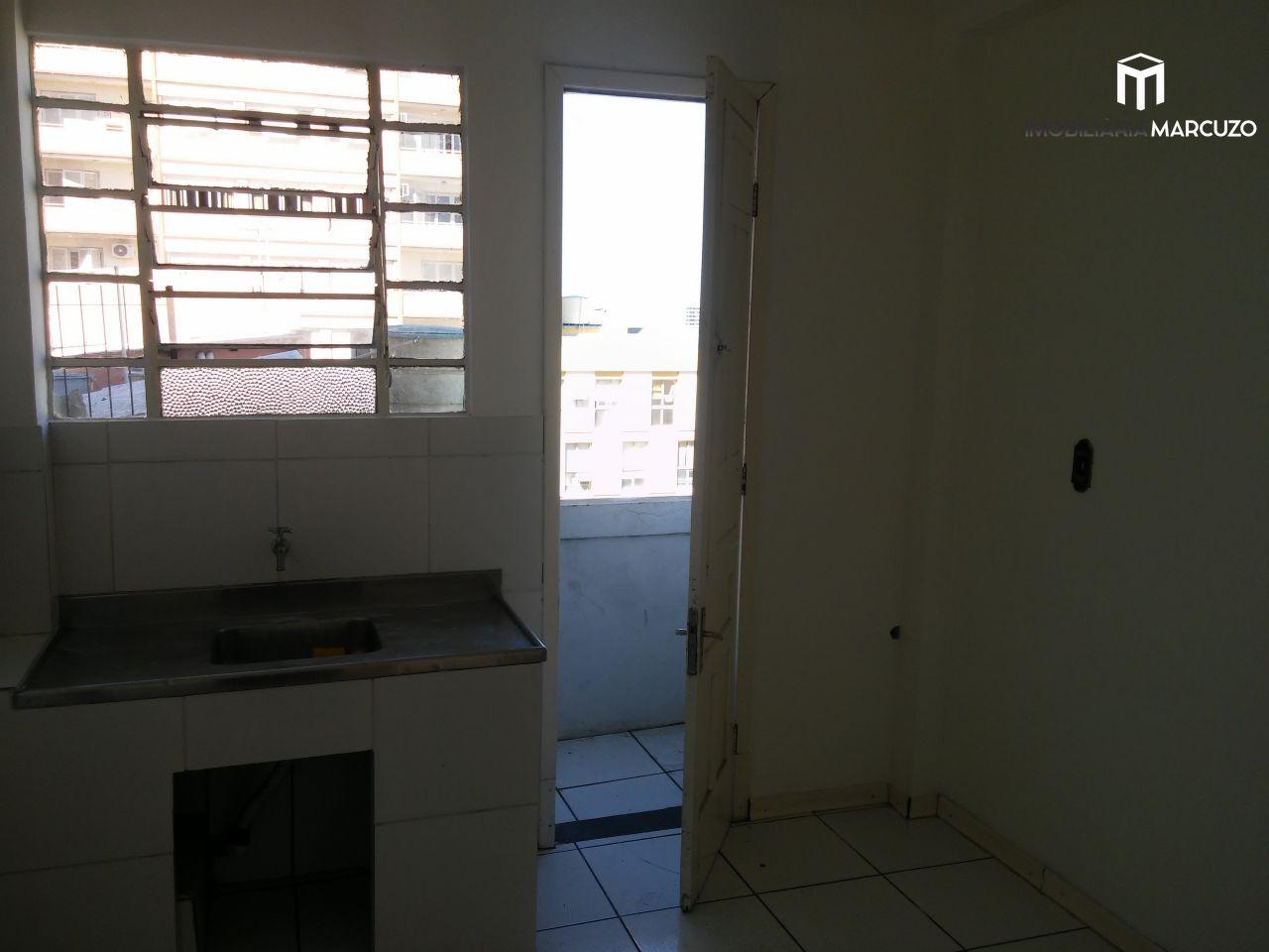 Apartamento com 2 Dormitórios à venda, 75 m² por R$ 190.800,00