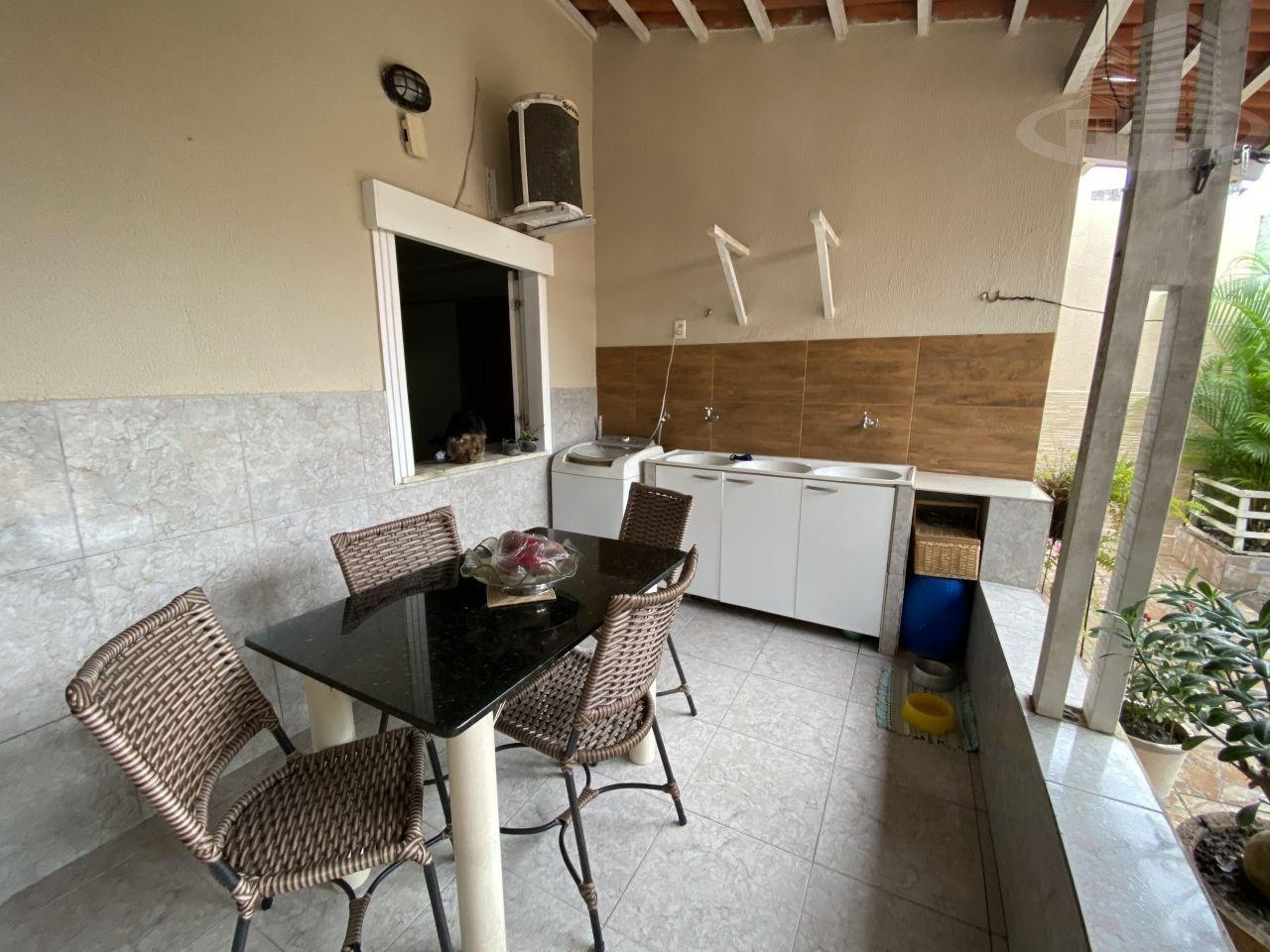 Casa com 2 Dormitórios à venda, 80 m² por R$ 280.000,00
