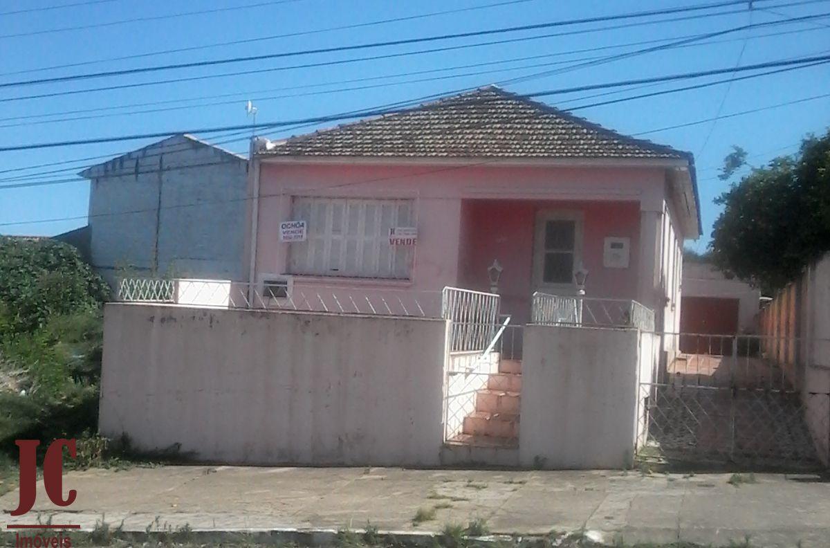 Casa à venda  no Centro - São Gabriel, RS. Imóveis