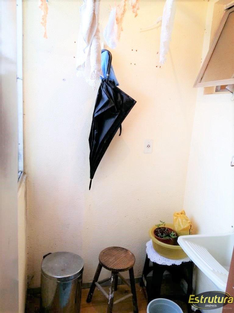 Apartamento com 2 Dormitórios à venda, 54 m² por R$ 159.000,00
