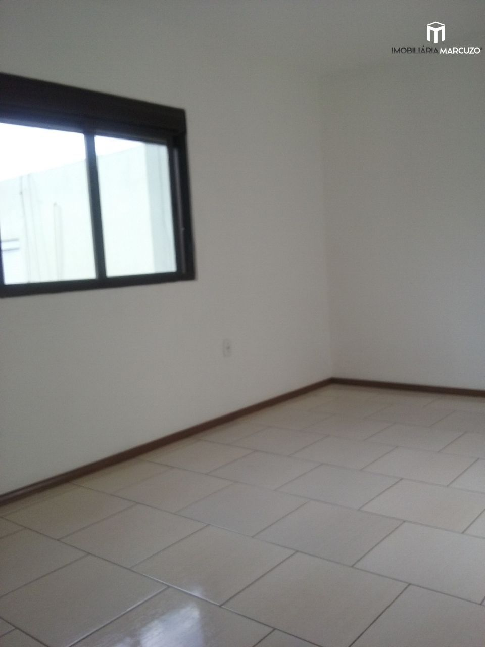 Apartamento com 2 Dormitórios à venda, 66 m² por R$ 268.000,00