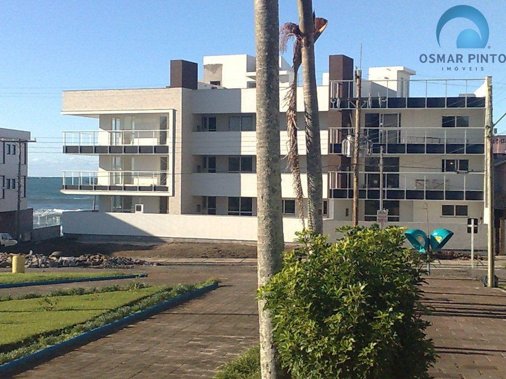 Cobertura com 2 dormitórios<small> em Torres, Prainha</small>