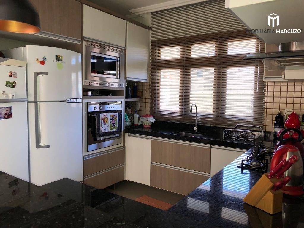 Casa com 3 Dormitórios à venda, 195 m² por R$ 870.000,00