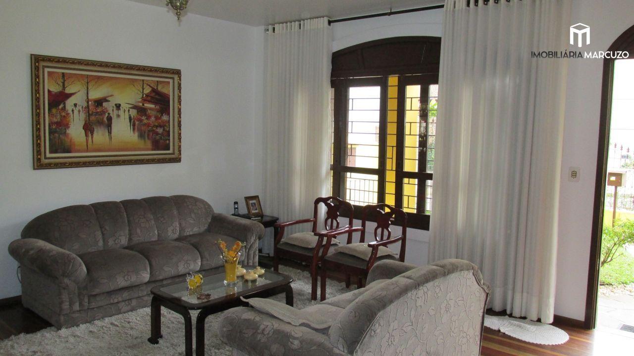 Casa com 5 Dormitórios à venda, 333 m² por R$ 1.100.000,00