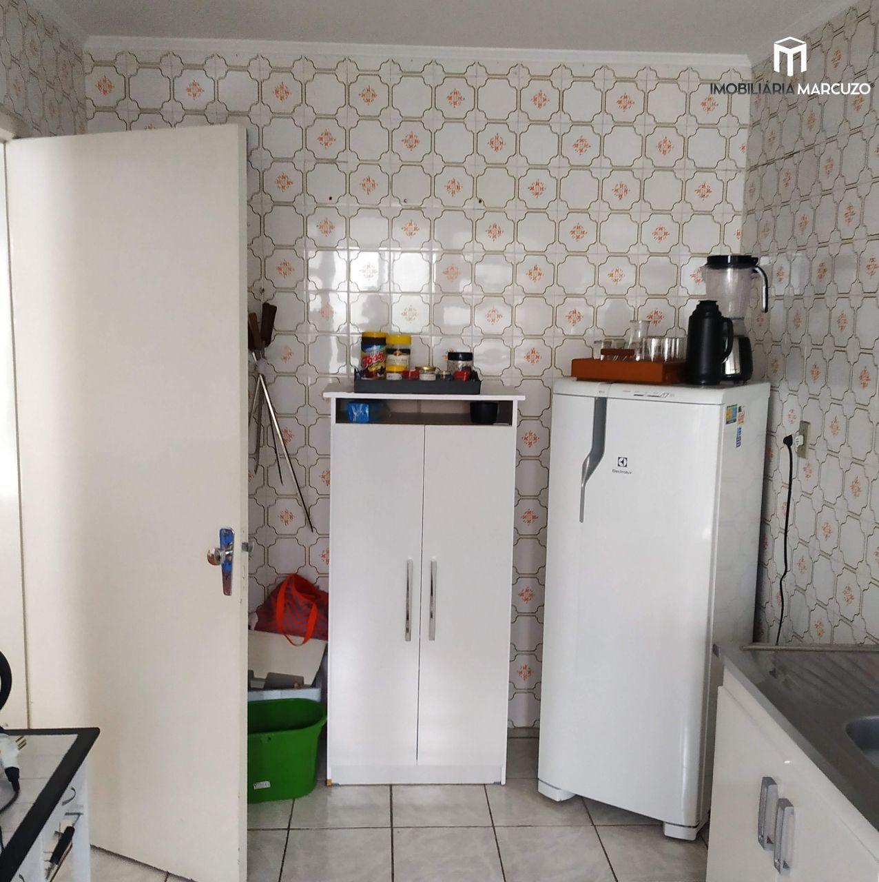 Apartamento com 2 Dormitórios à venda, 82 m² por R$ 250.000,00