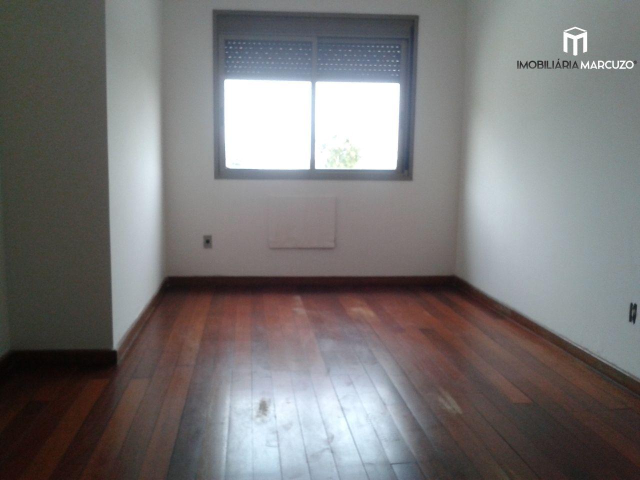Apartamento com 3 Dormitórios à venda, 139 m² por R$ 460.000,00