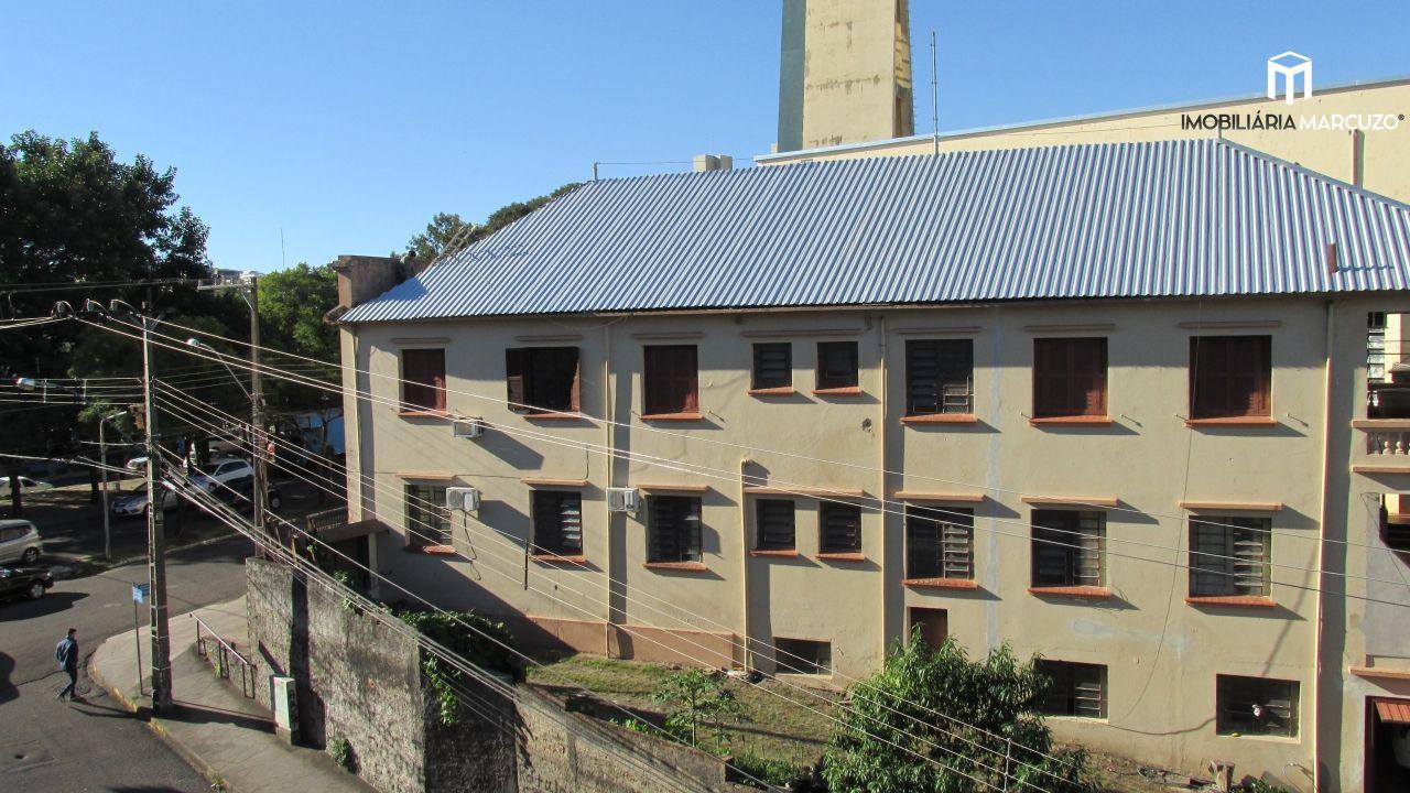 Apartamento com 3 Dormitórios à venda, 133 m² por R$ 385.000,00
