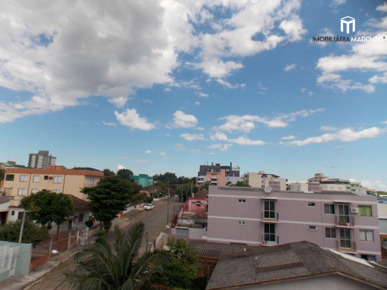 Apartamento com 2 Dormitórios à venda, 63 m² por R$ 275.000,00