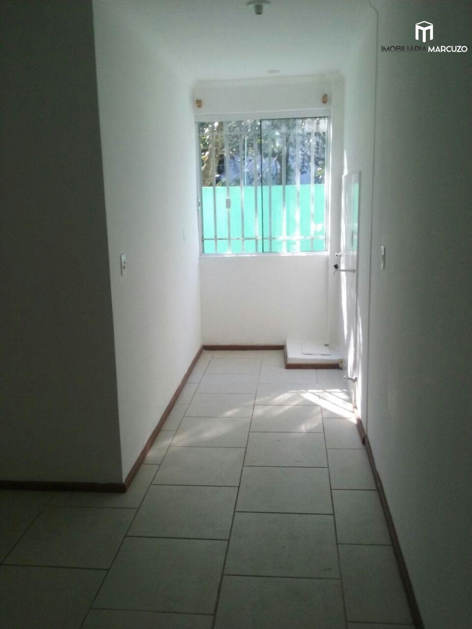 Apartamento com 2 Dormitórios à venda, 55 m² por R$ 175.000,00