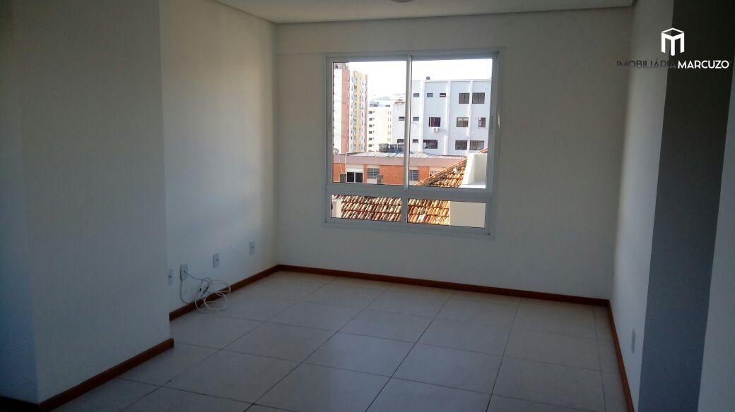 Apartamento com 2 Dormitórios à venda, 70 m² por R$ 328.000,00