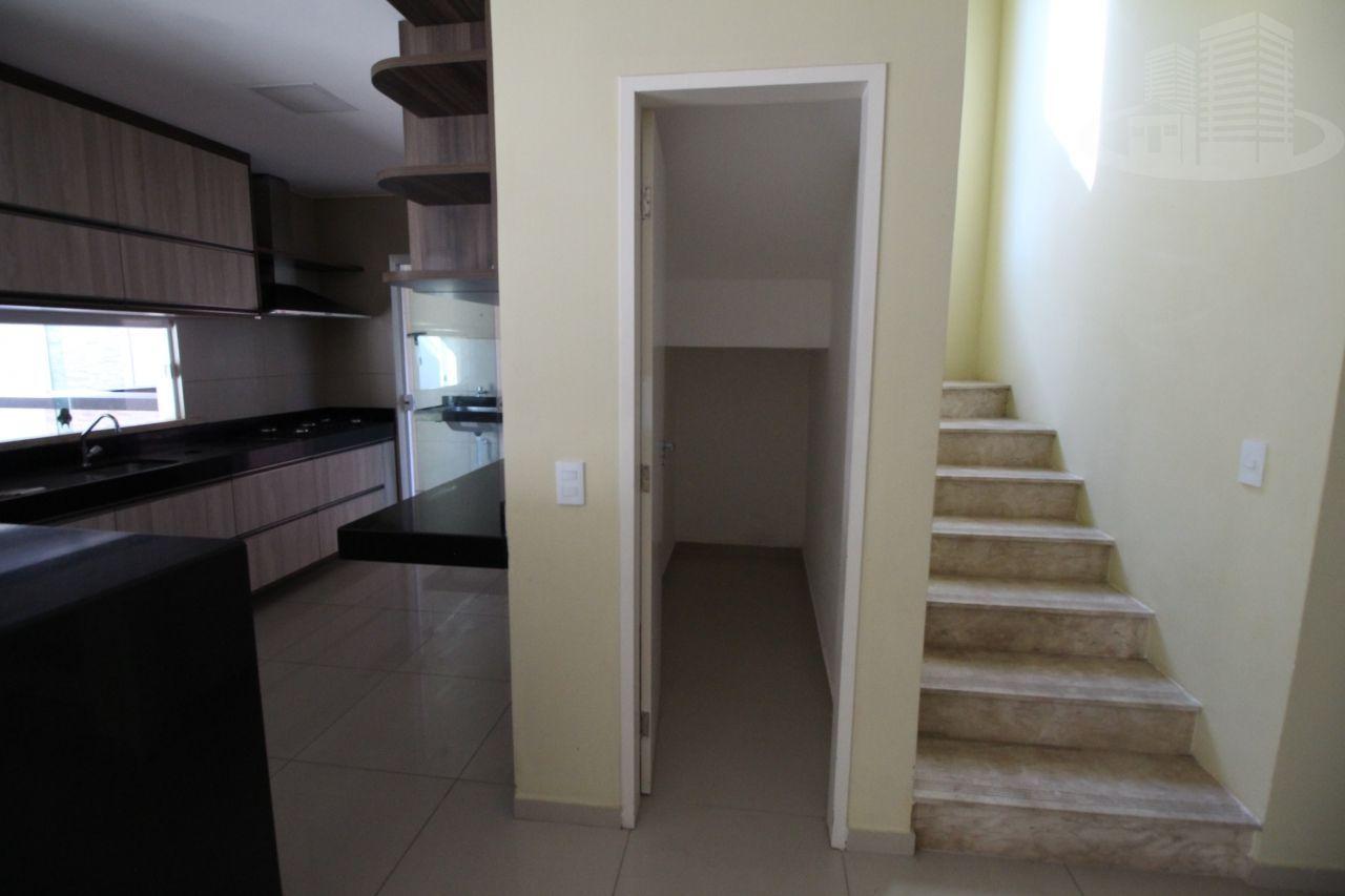 Casa em condomínio com 3 Dormitórios à venda, 196 m² por R$ 650.000,00