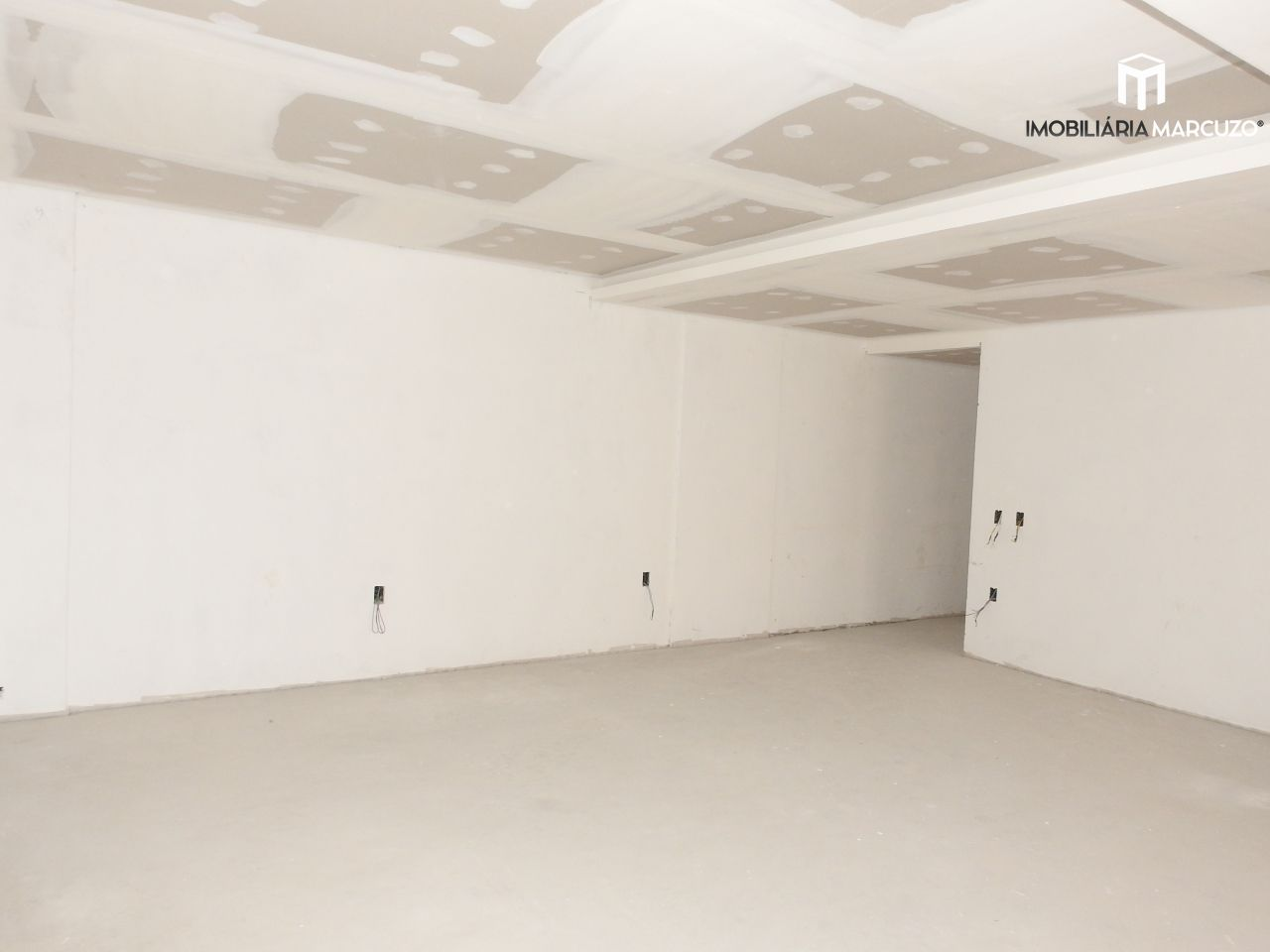 Apartamento com 3 Dormitórios à venda, 170 m² por R$ 850.000,00