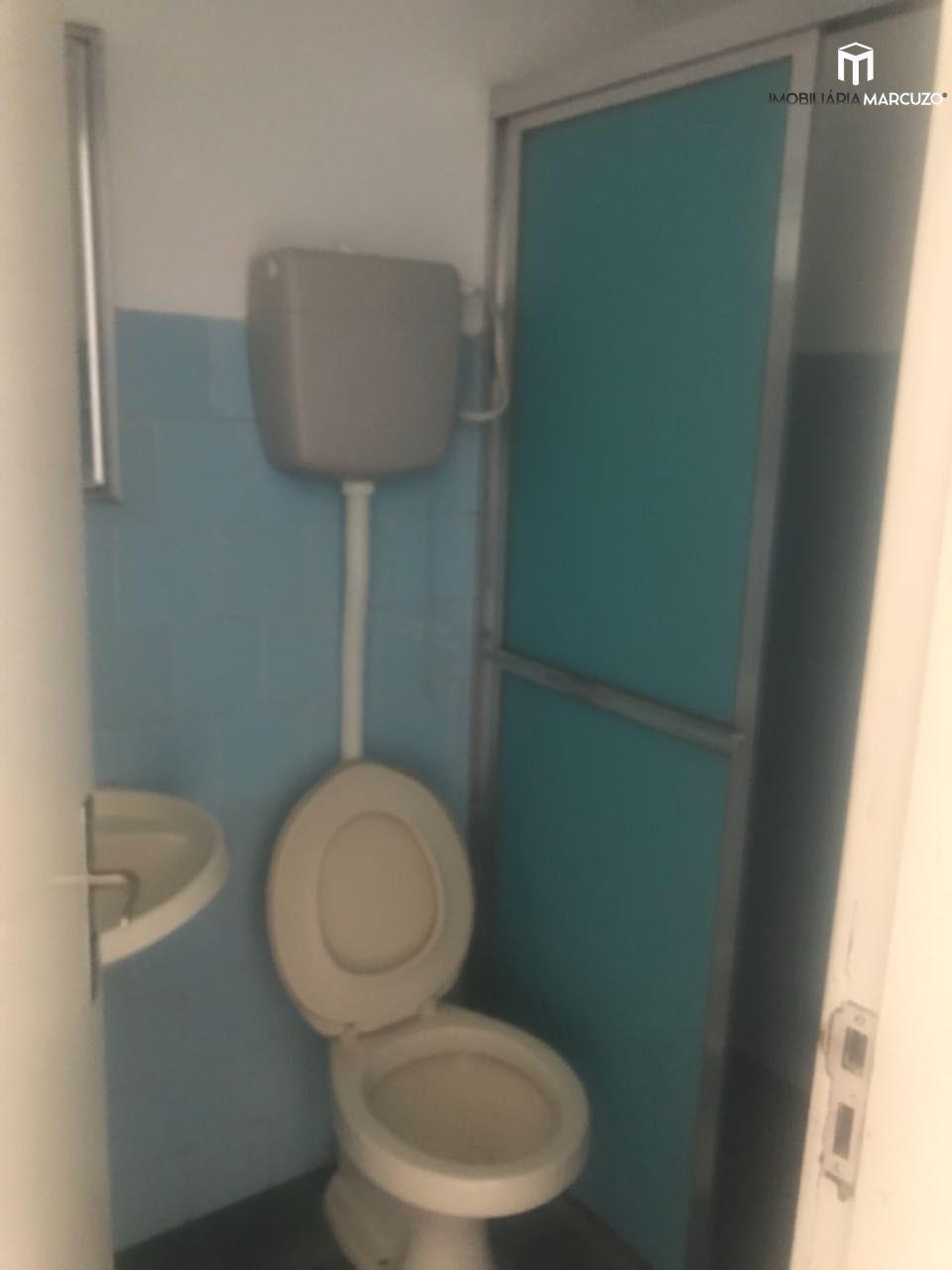 Apartamento com 2 Dormitórios à venda, 67 m² por R$ 200.000,00