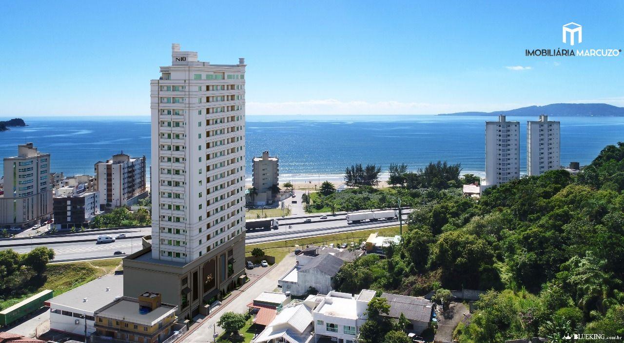 Apartamento com 3 Dormitórios à venda, 70 m² por R$ 450.000,00