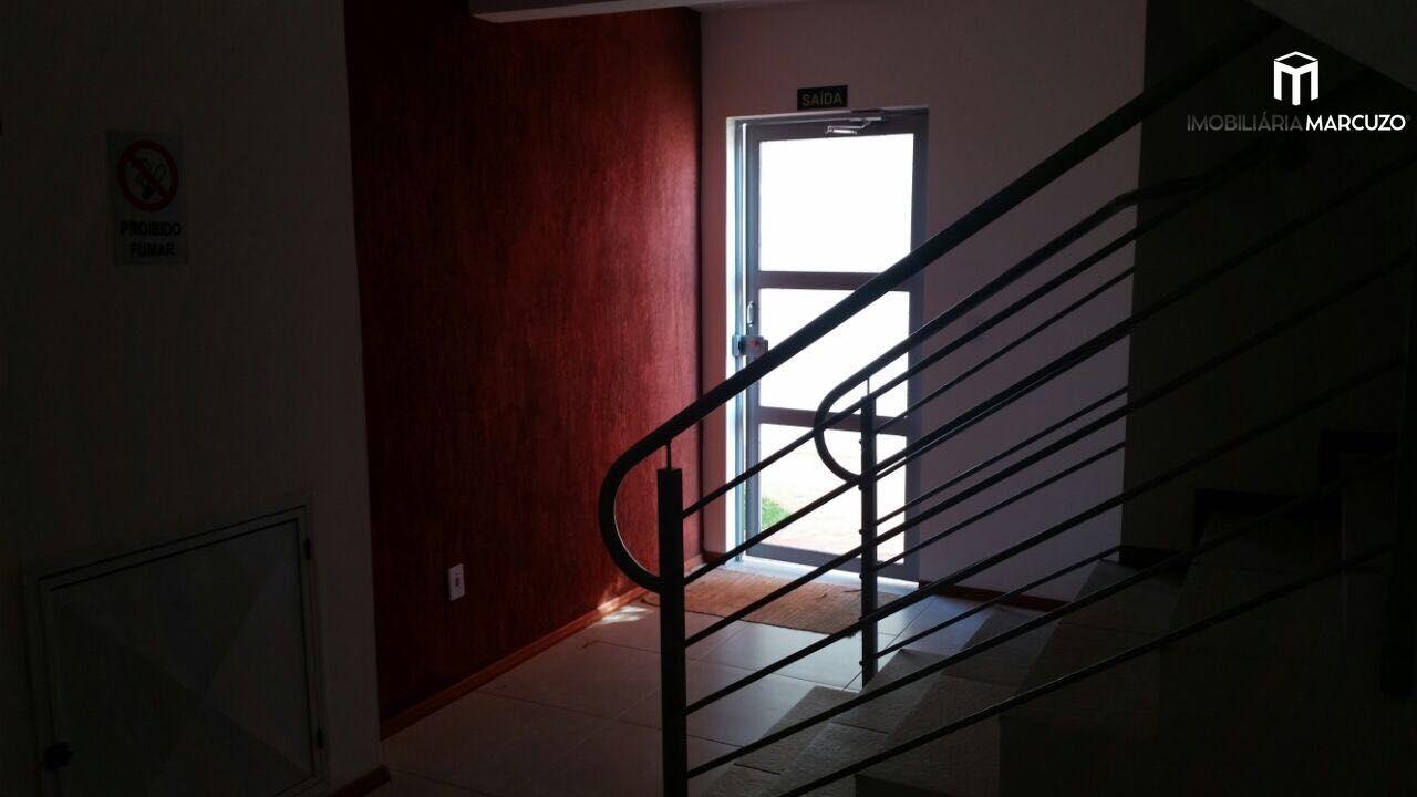 Apartamento com 2 Dormitórios à venda, 64 m² por R$ 190.000,00
