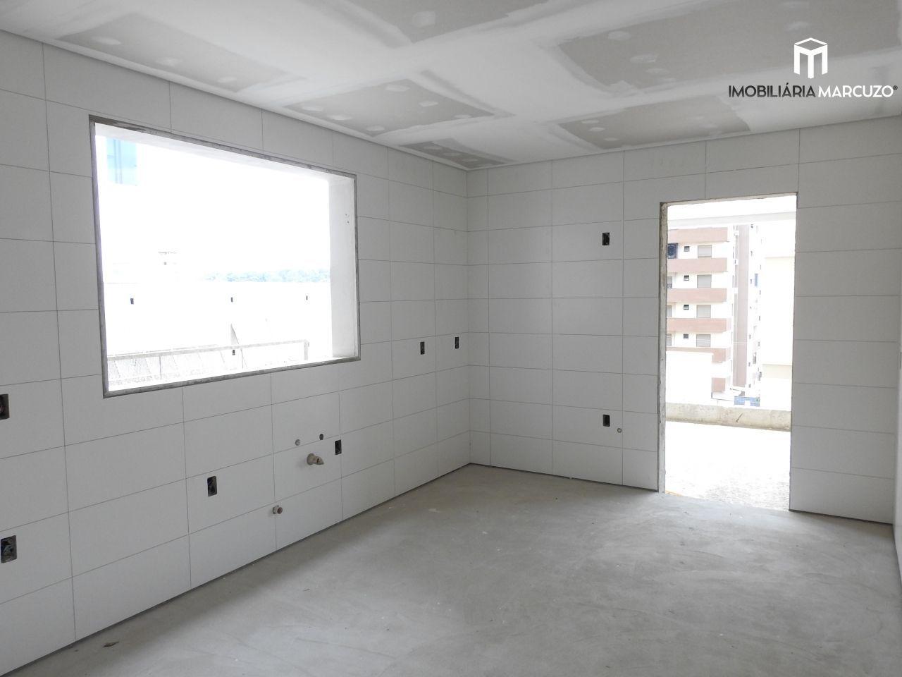 Apartamento com 3 Dormitórios à venda, 170 m² por R$ 900.000,00