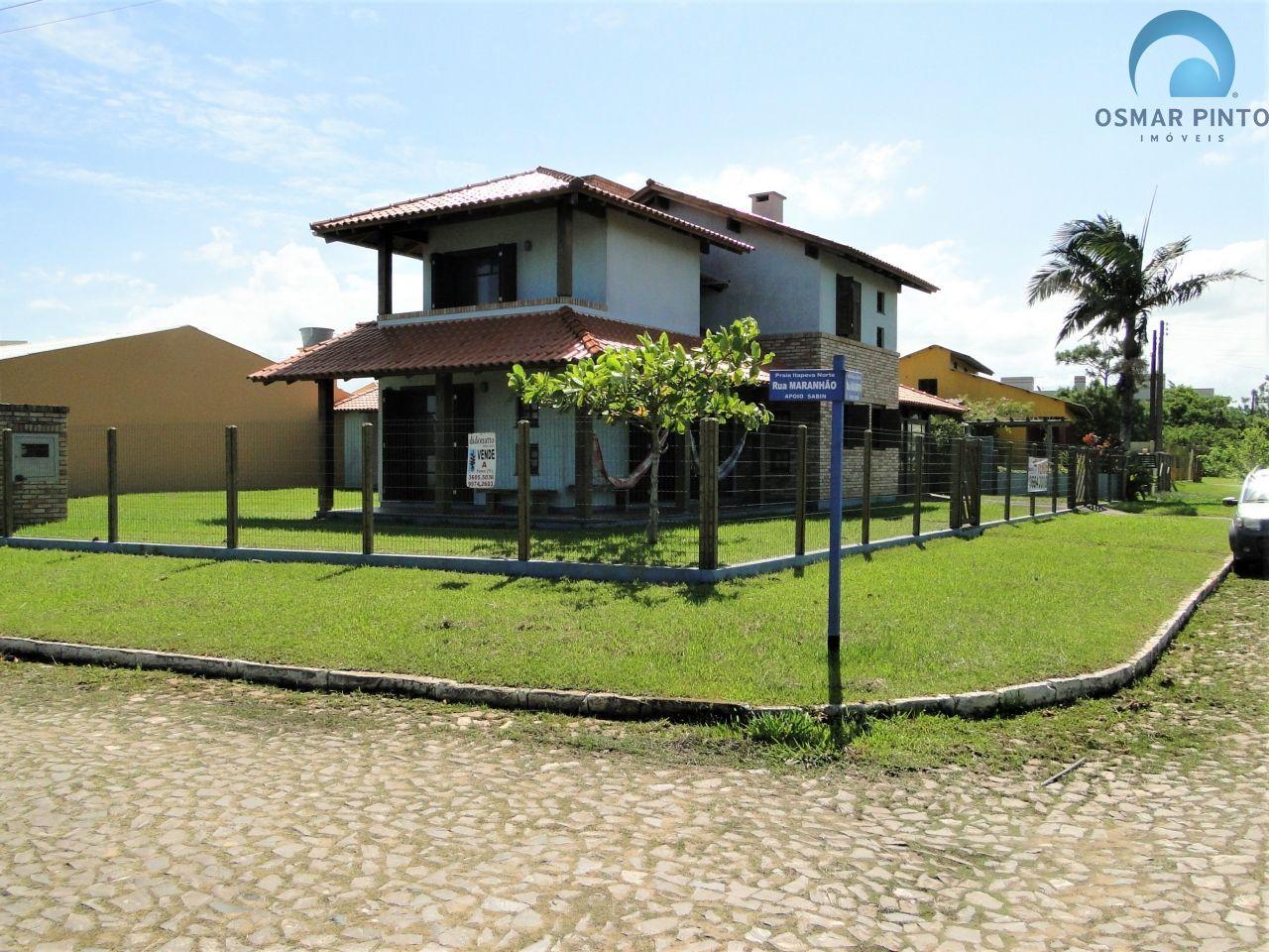 Casa 3 dormitórios em Torres, no bairro Itapeva Norte