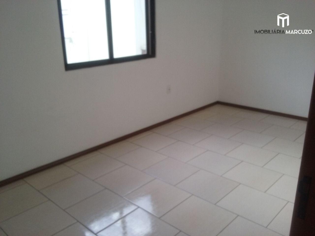 Apartamento com 2 Dormitórios à venda, 75 m² por R$ 268.000,00