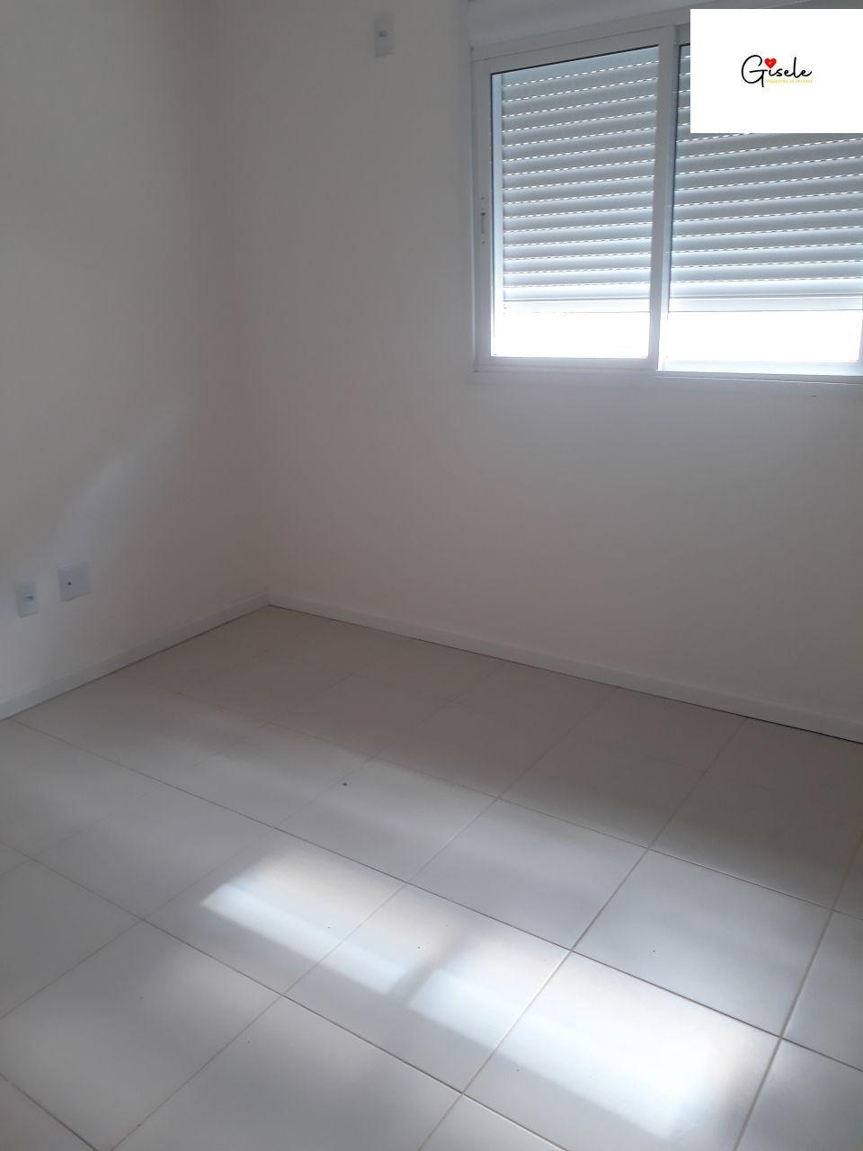 Apartamento com 2 Dormitórios à venda, 70 m² por R$ 190.000,00