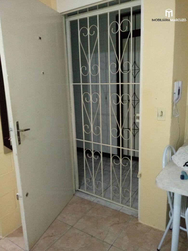 Apartamento com 1 Dormitórios à venda, 42 m² por R$ 130.000,00