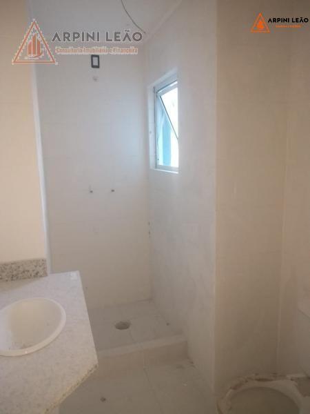Apartamento com 2 Dormitórios à venda, 76 m² por R$ 380.000,00