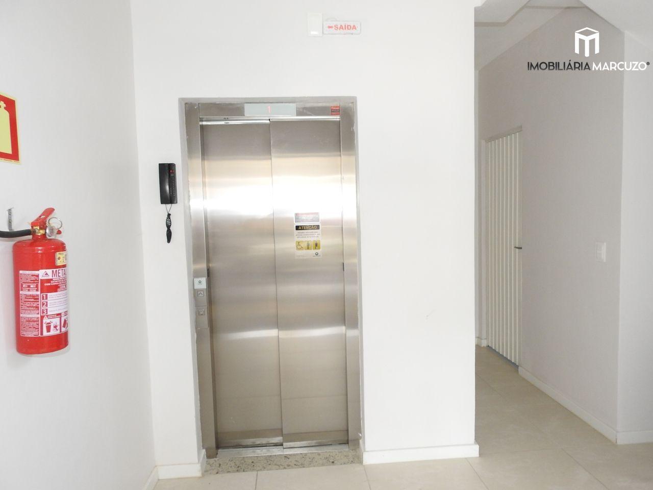 Apartamento com 2 Dormitórios à venda, 61 m² por R$ 280.000,00