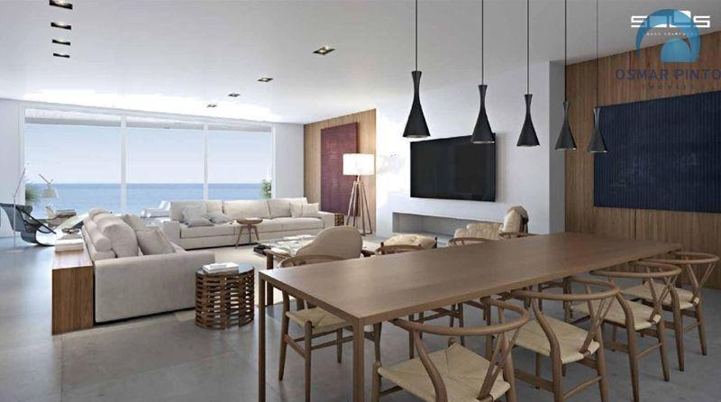 Casa com 4 dormitórios<small> em Torres, Prainha</small>