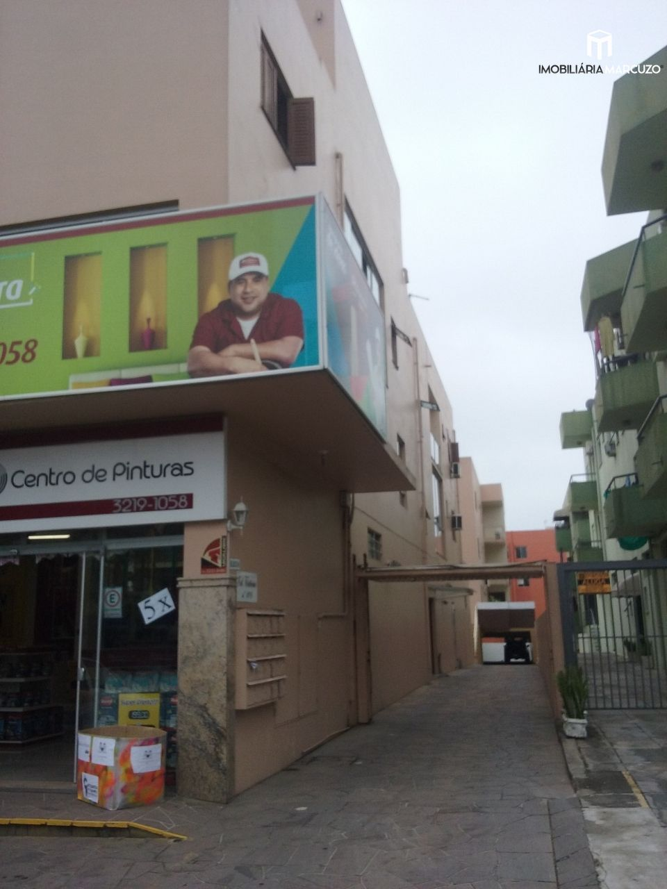 Apartamento com 2 Dormitórios à venda, 74 m² por R$ 268.000,00