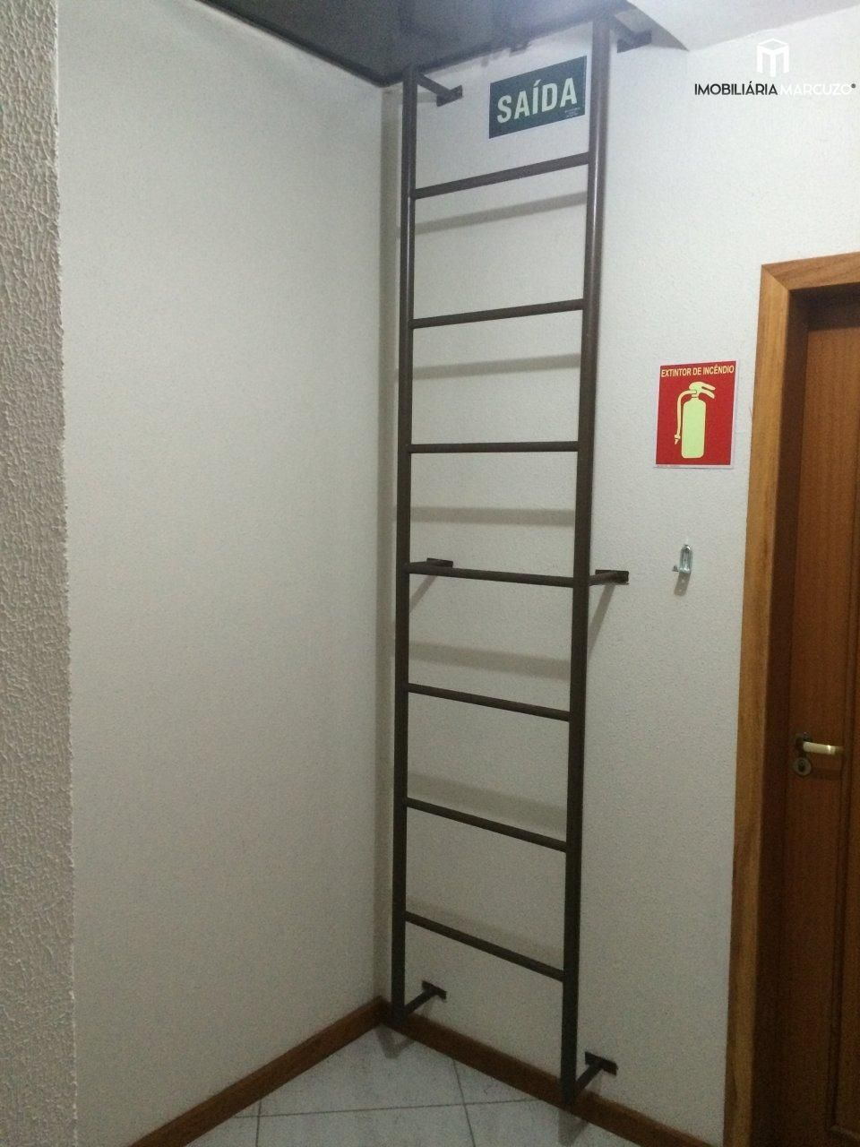 Apartamento com 1 Dormitórios à venda, 41 m² por R$ 168.000,00