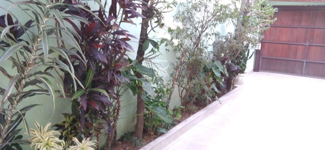 Casa com 3 Dormitórios à venda, 300 m² por R$ 2.300.000,00
