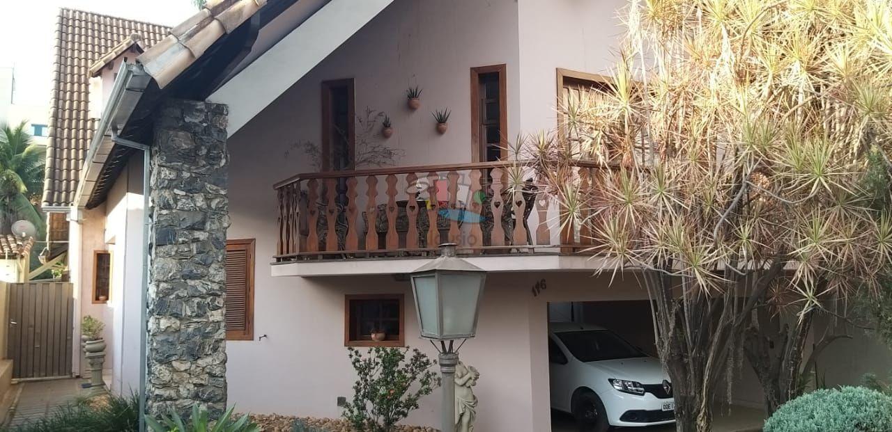 Casa à venda  no Centro - Sete Lagoas, MG. Imóveis