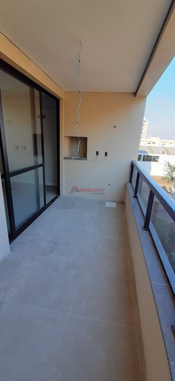 Apartamento com 2 Dormitórios à venda, 72 m² por R$ 340.000,00