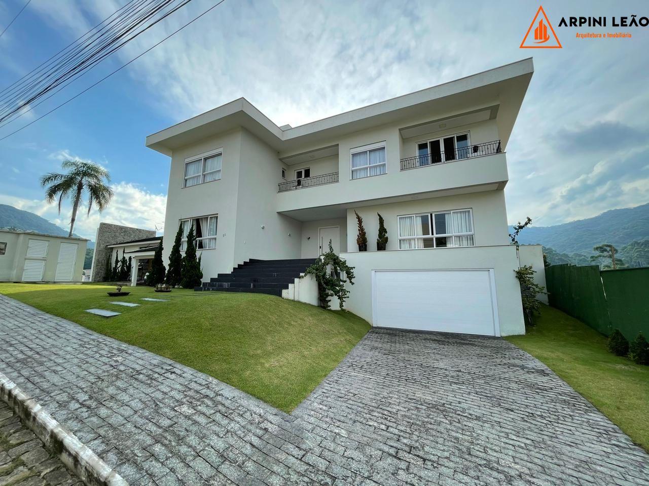 Casa à venda  no Ariribá - Balneário Camboriú, SC. Imóveis