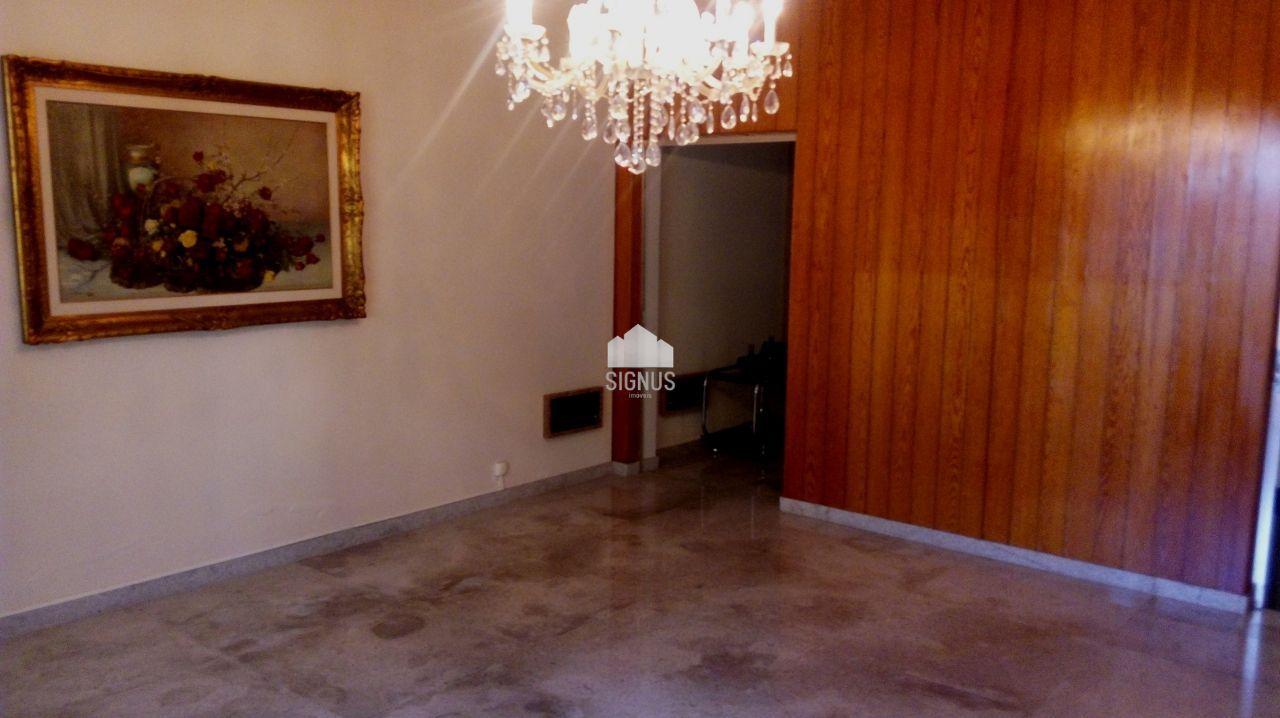 Casa com 4 Dormitórios à venda, 324 m² por R$ 850.000,00