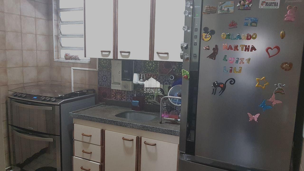 Apartamento com 3 Dormitórios à venda, 67 m² por R$ 265.000,00
